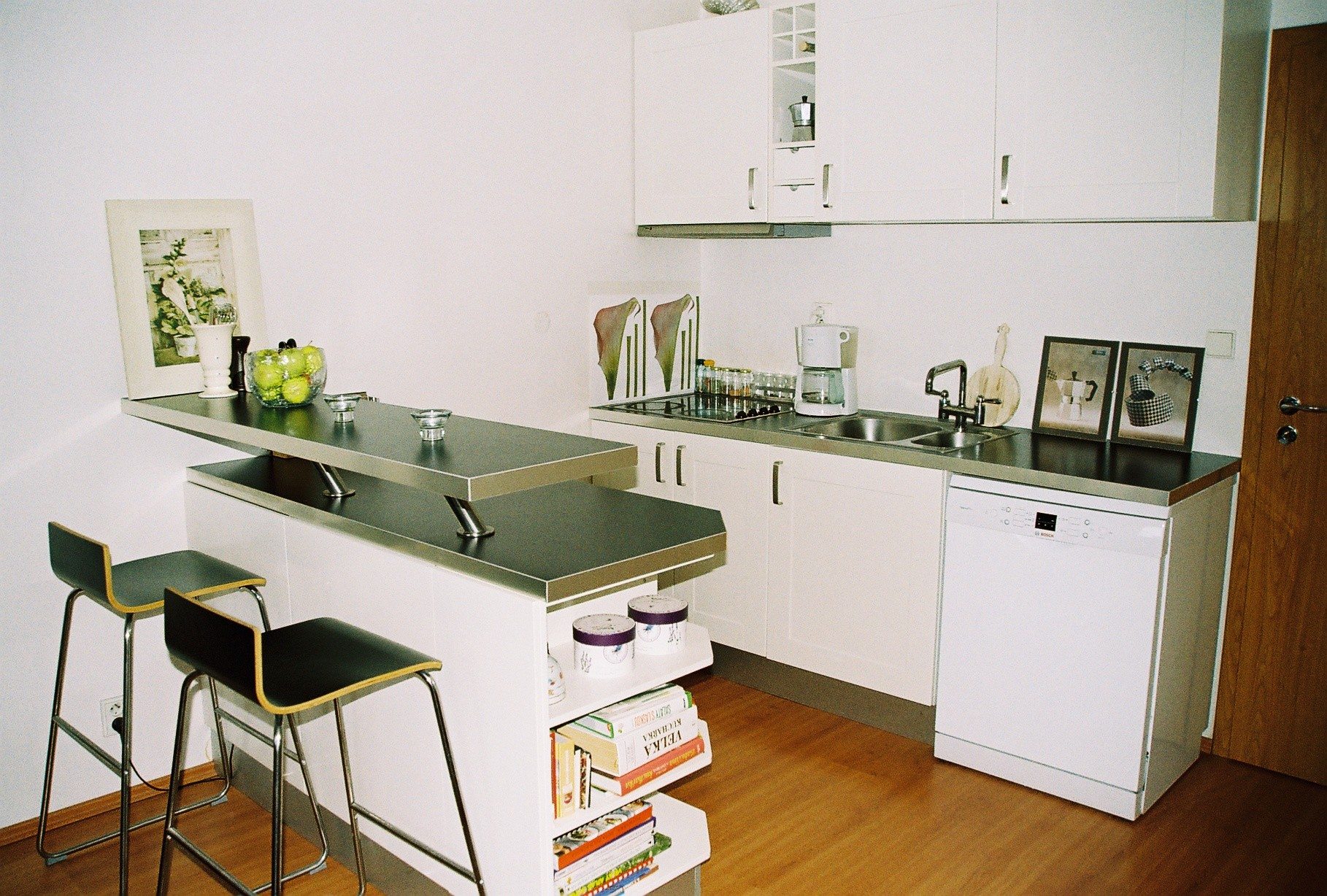 Studio GARDEN to rent, 45 m2,with terrace,20 minutes to City center  only,Prague 10, Czech republic