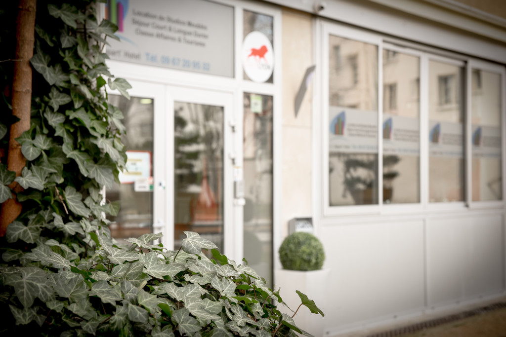 STUDIO MEUBLE STANDING FORMULE APPART'HOTEL