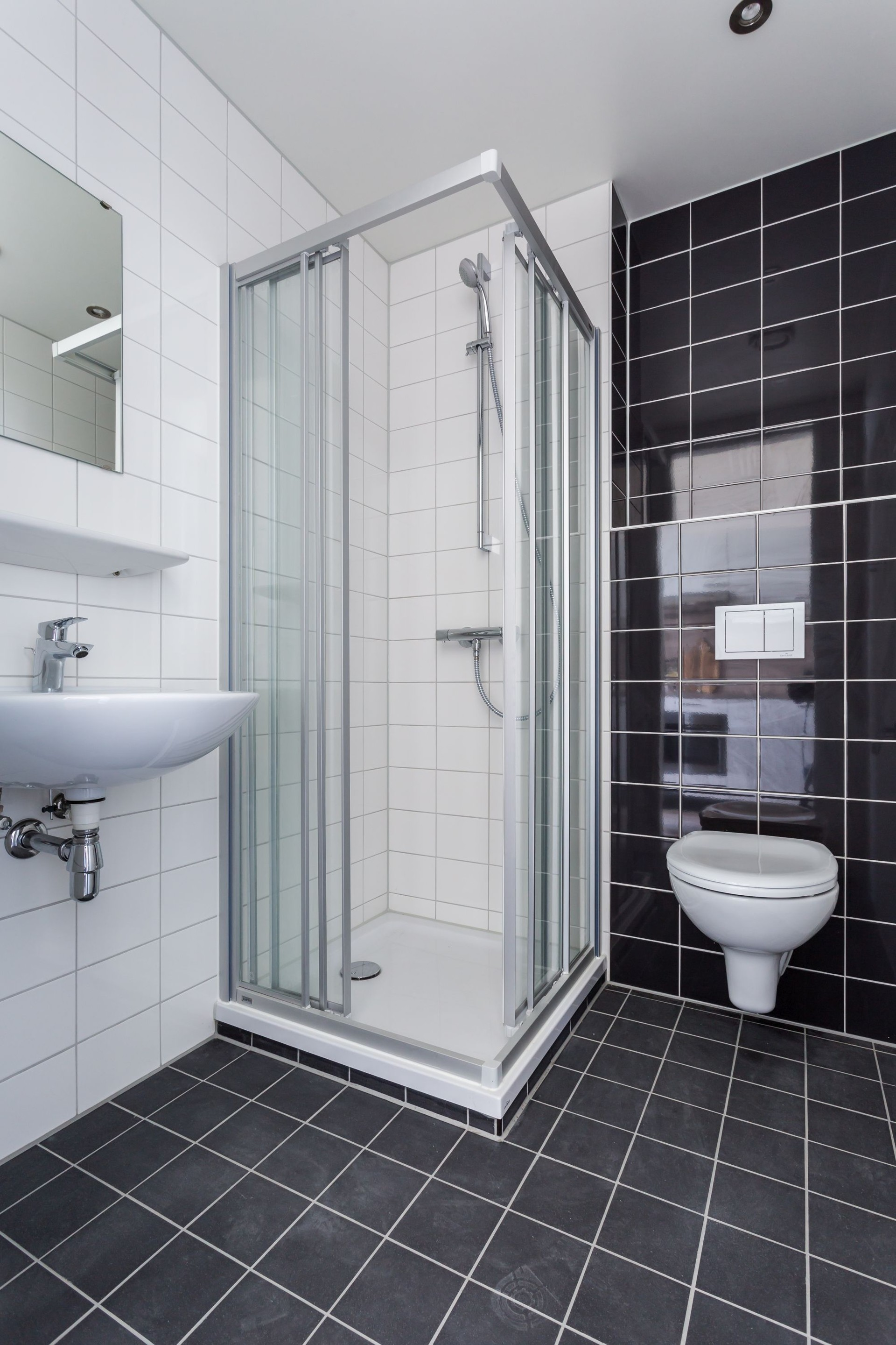 Studio with private kitchen and bathroom (Camelot Europe) | Rent ...