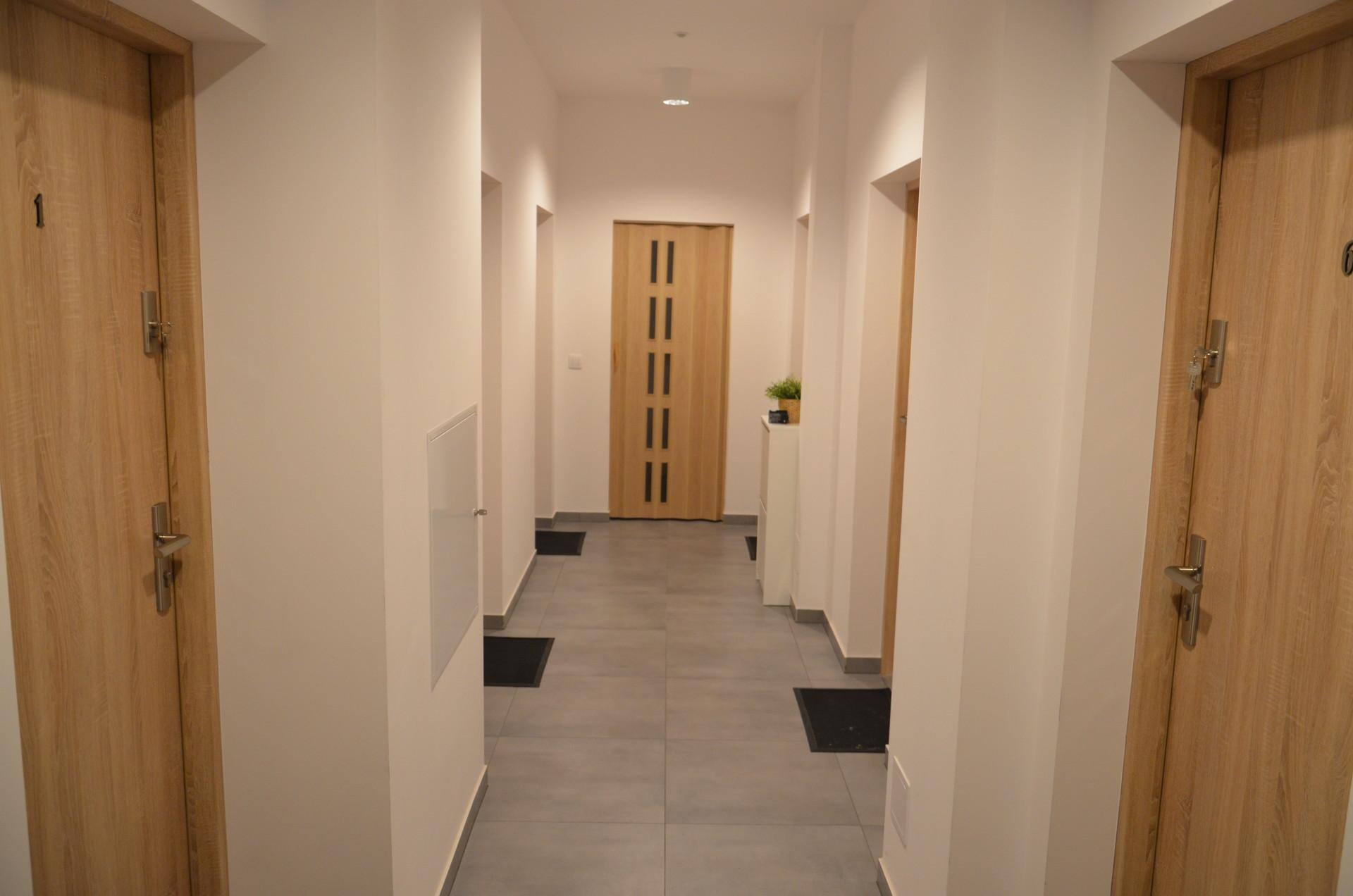 studio-rent-5743177158407fba2bfa56b308b90acf