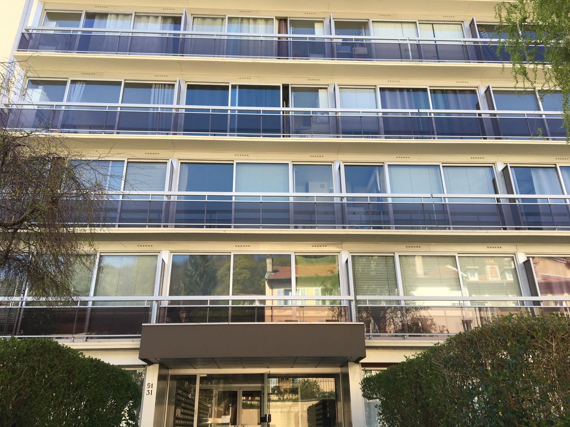studio-spacieux-jardin-privatif-84260f110e5b135f5c4727eecf929860