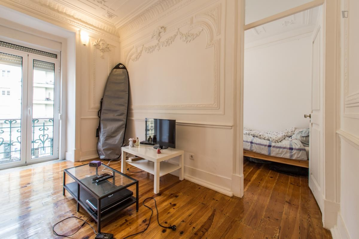 ... Stunning 24m2 Room in Central Lisbon Apartment ...