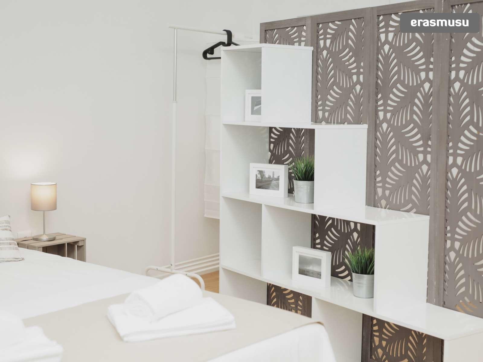 stunning-studio-apartment-rent-santo-ildefonso-4b99152bba62c0116