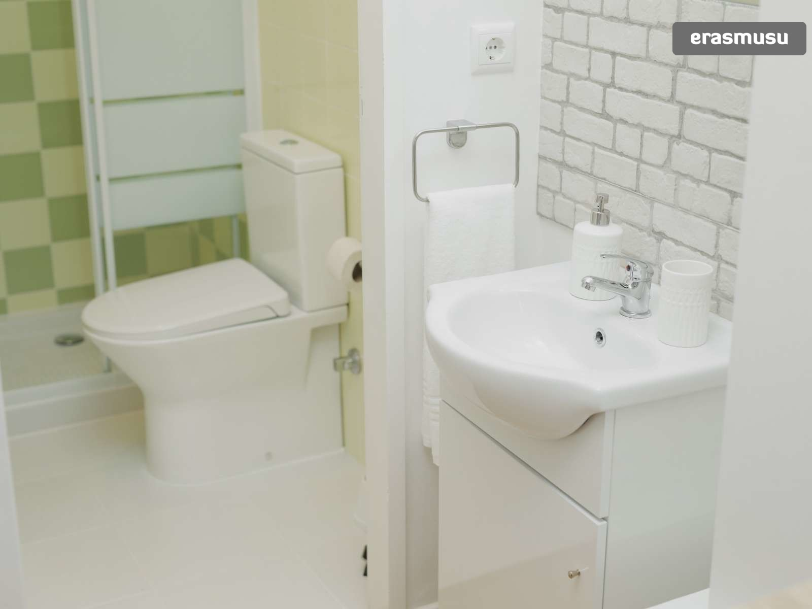 stunning-studio-apartment-rent-santo-ildefonso-ca2b2728f611cd9a2