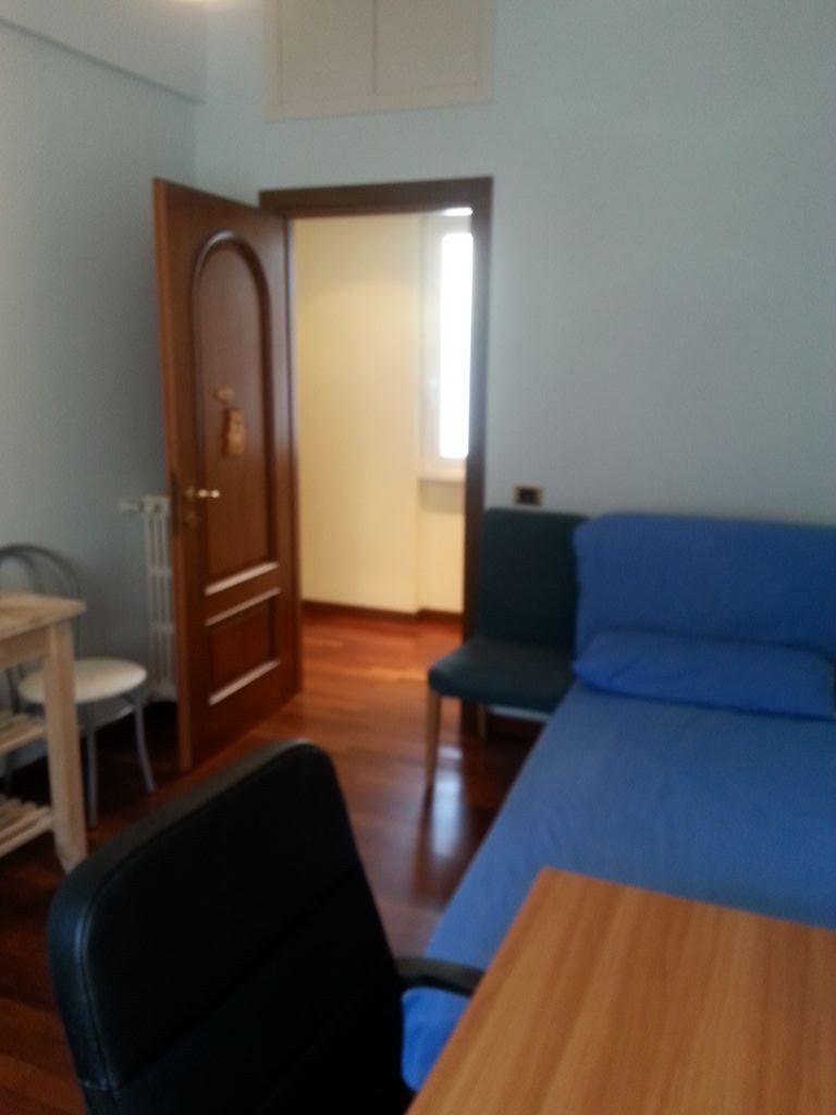 Camera singola de luxe a largo somalia stanza in affitto for Largo somalia