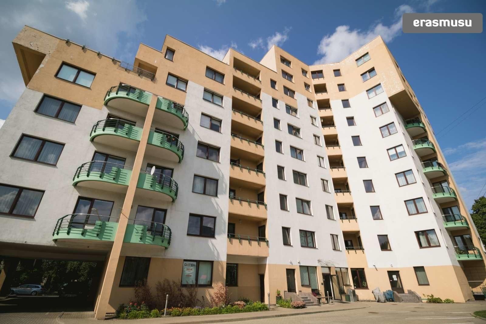 stylish-1-bedroom-apartment-balcony-rent-zasulauks-c822d604faa02