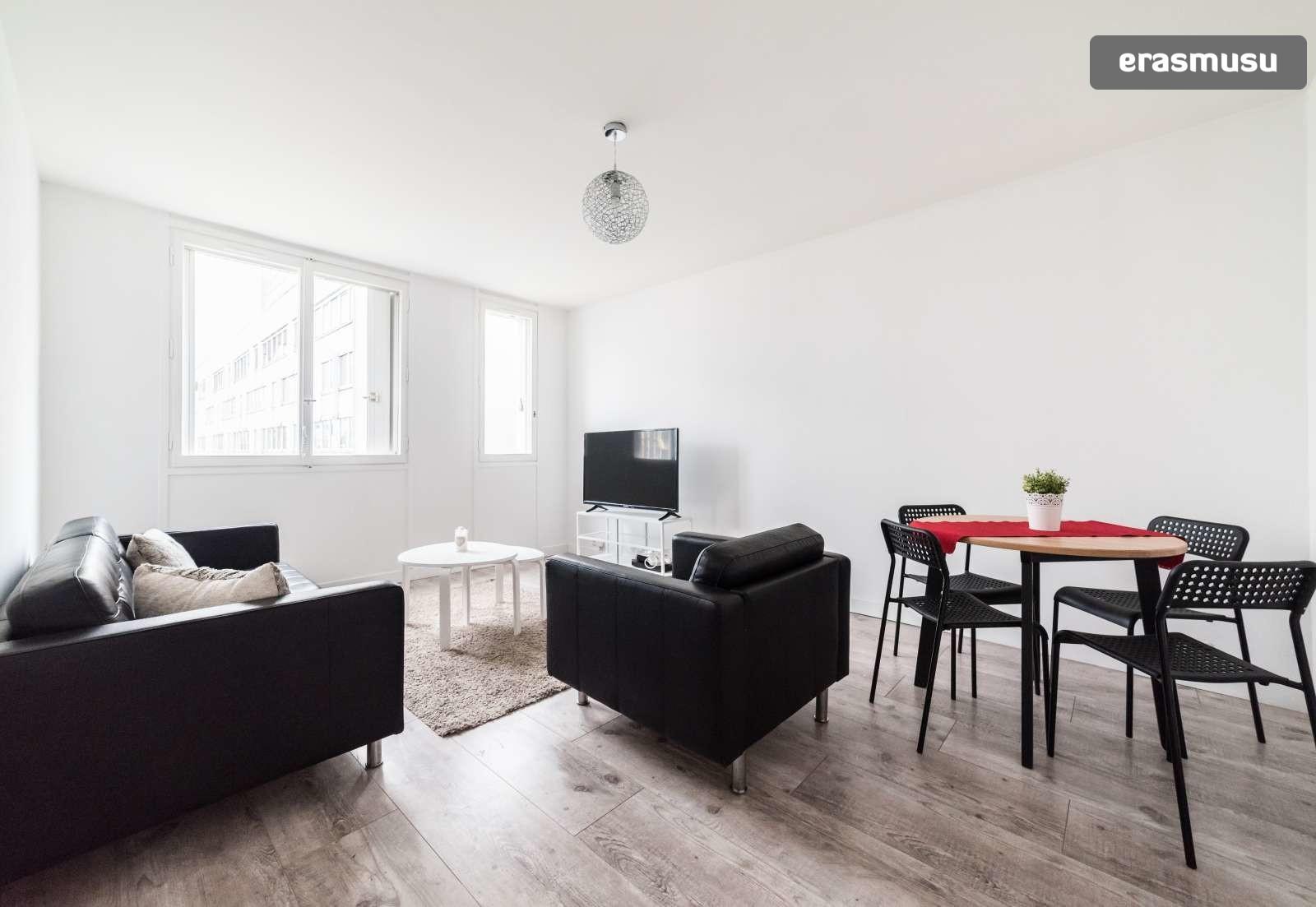 Fabulous Stylish 2 Bedroom Apartment For Rent In Clichy La Garenne Paris Beutiful Home Inspiration Xortanetmahrainfo