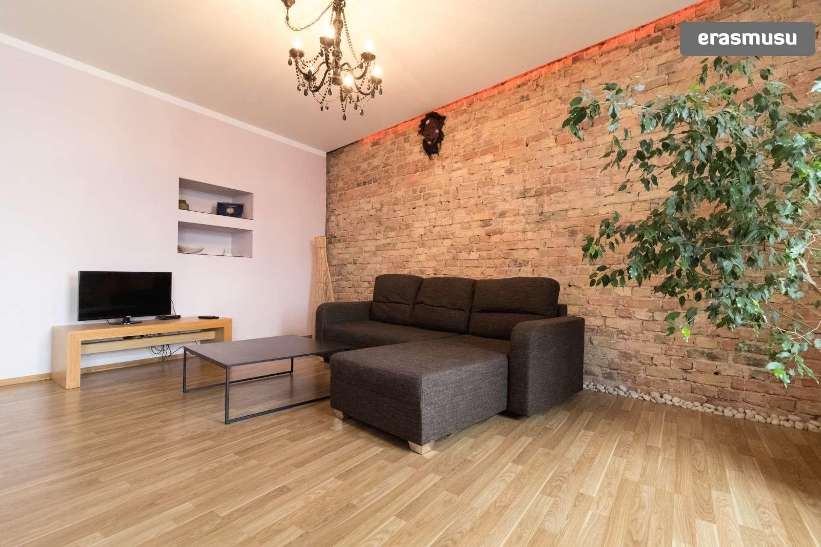 stylish-2-bedroom-apartment-rent-maskavas-forstate-9cc4380b497af