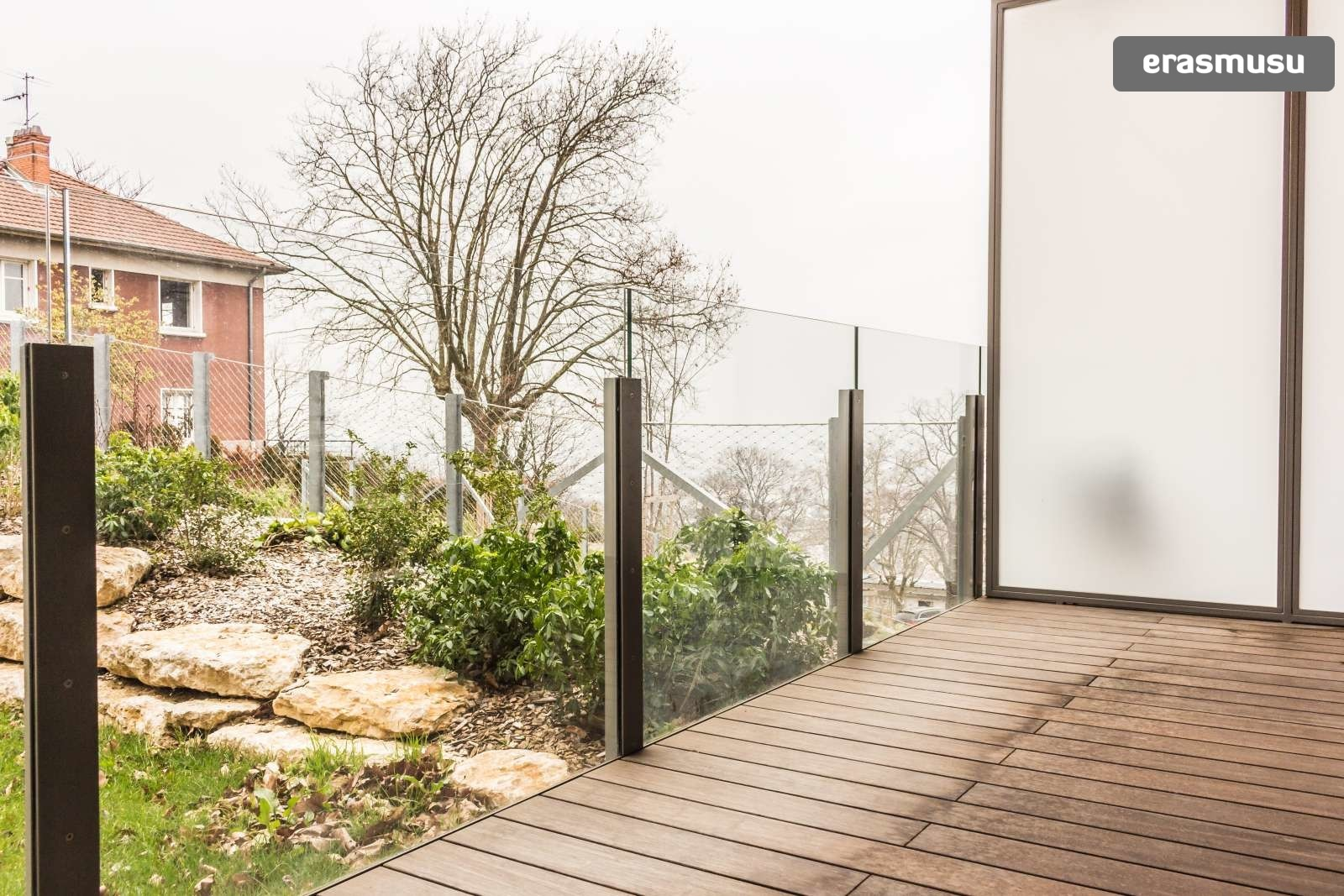 stylish-secure-studio-terrace-fourviere-hill-lyon-39ee18c6e980d8