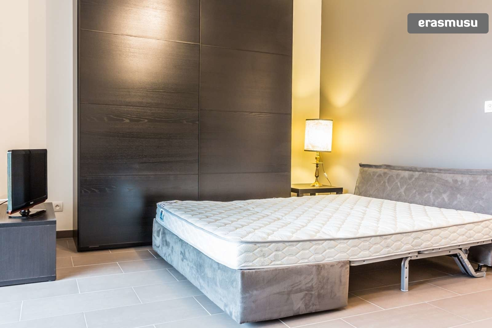 stylish-secure-studio-terrace-fourviere-hill-lyon-5136fe2fa62dfb