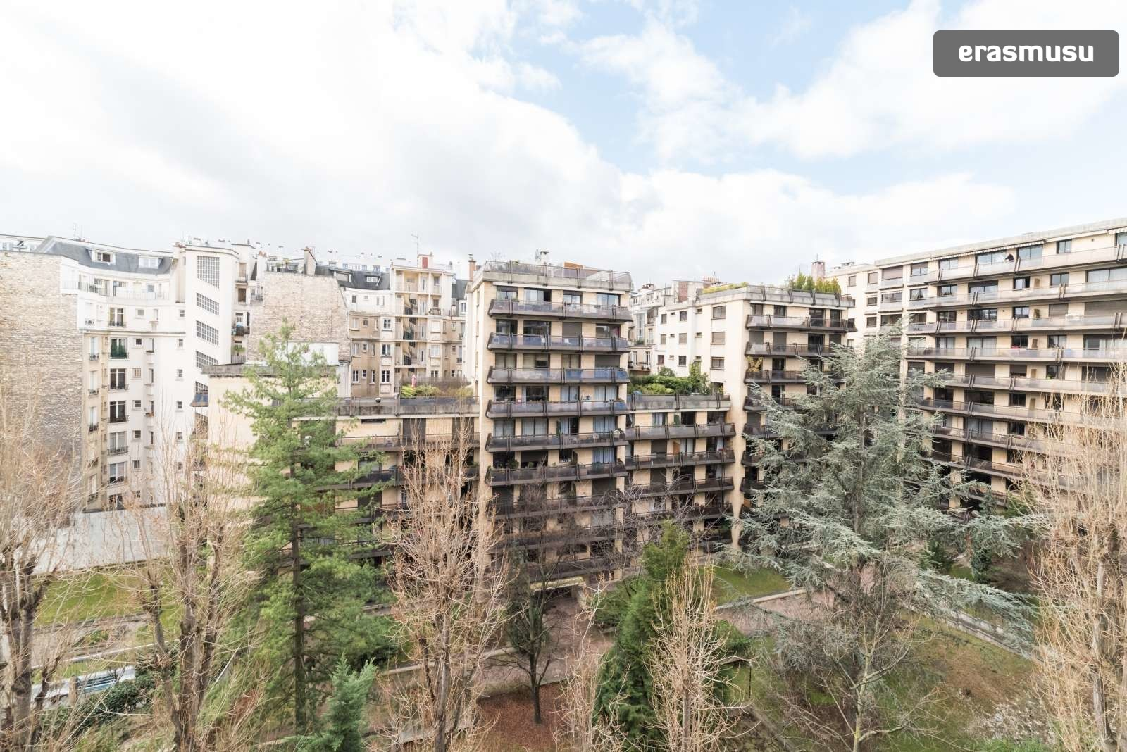 Stylish studio apartment with balcony for rent in Paris 16 ...