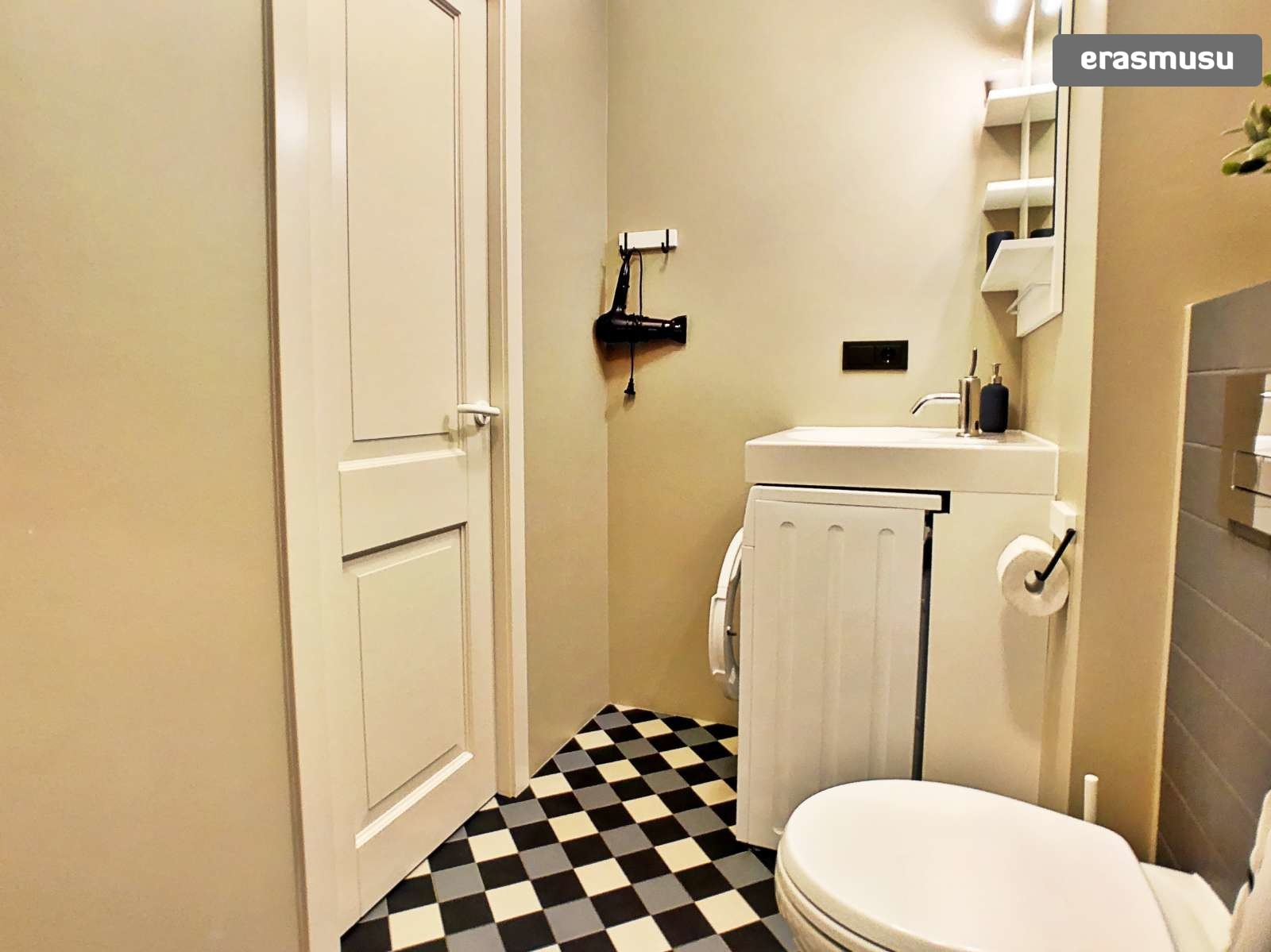 stylish-studio-apartment-rent-grizinkalns-4b7995e5fe37dbd469bec7