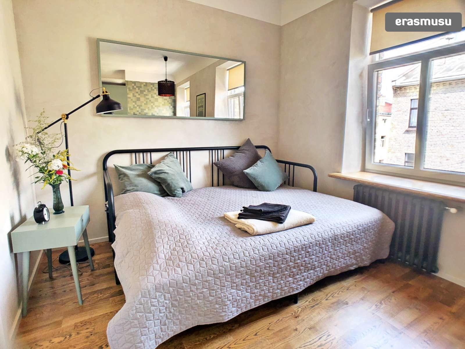 stylish-studio-apartment-rent-grizinkalns-c90788977e39ec87255ef5