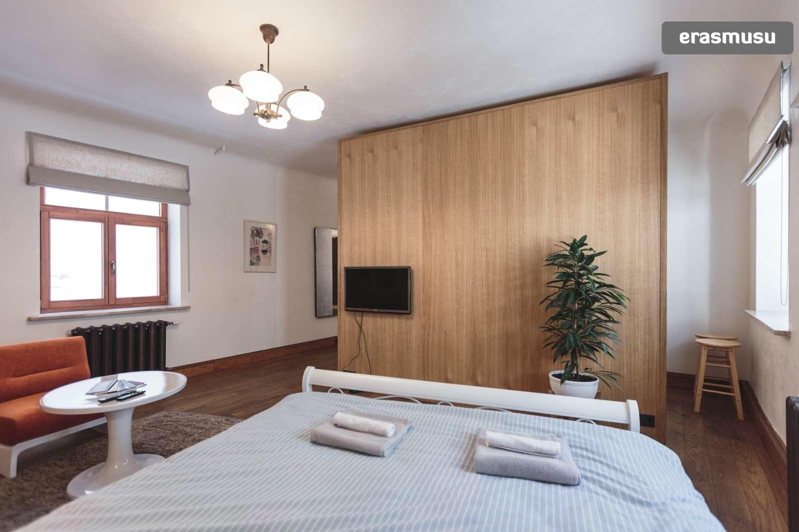 stylish-studio-apartment-rent-vecriga-4cbaa34b44a1760a4f5fc7099d