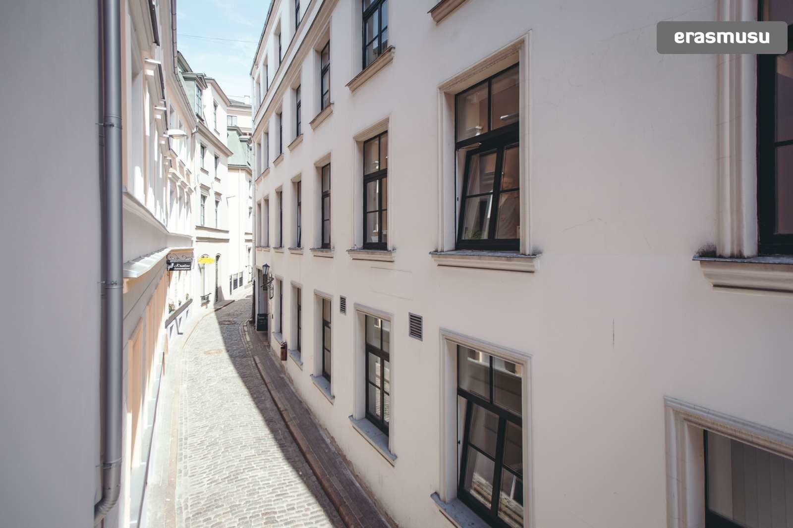 stylish-studio-apartment-rent-vecriga-4fa002451bba3bfa3ded89dc93