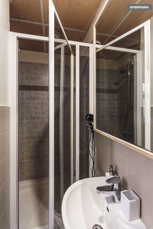 stylish-studio-apartment-rent-vecriga-f33d1f0dac06ba804ec88ab21c