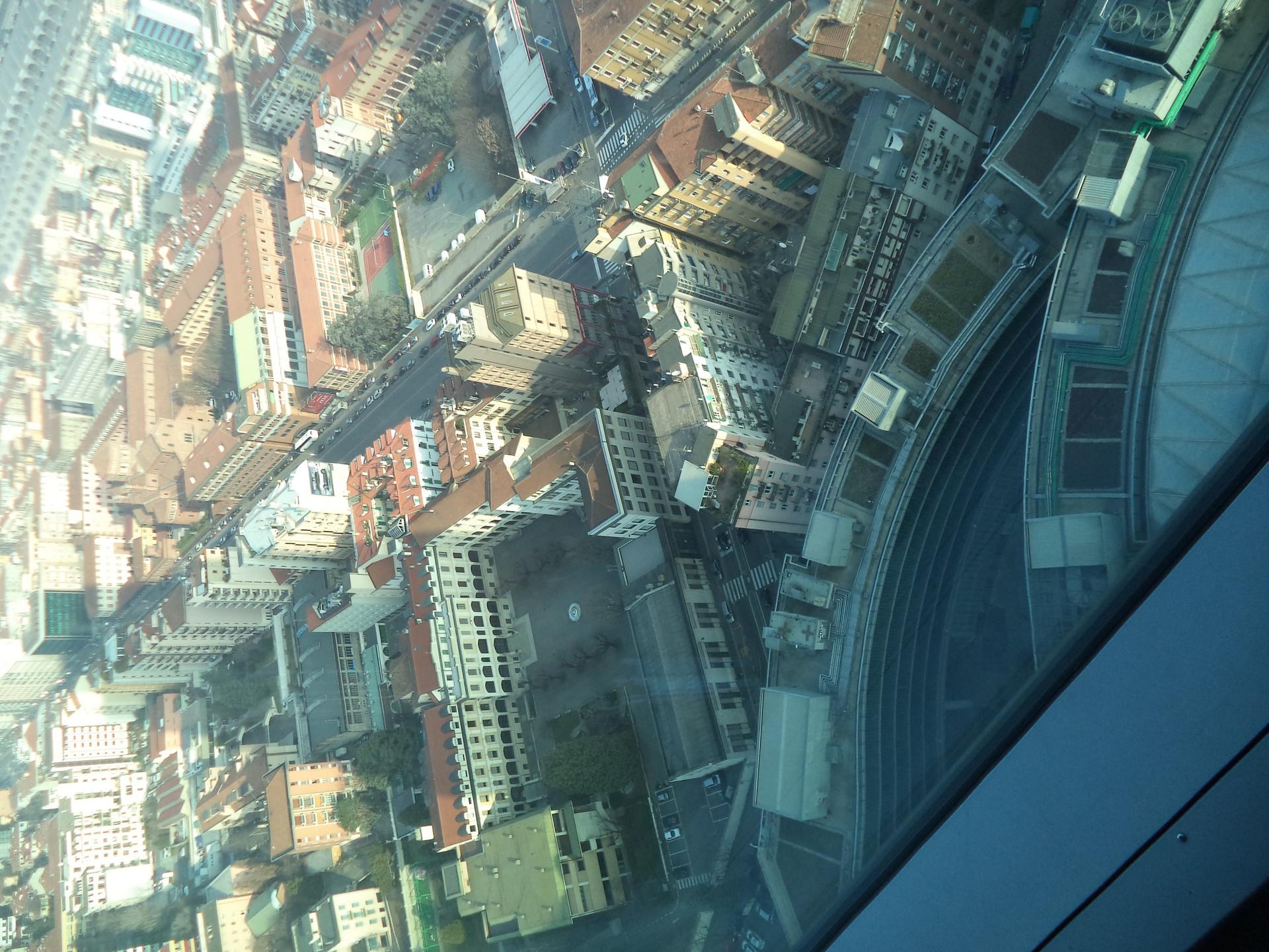 Subida ao 39º andar do Palazzo Lombardia!