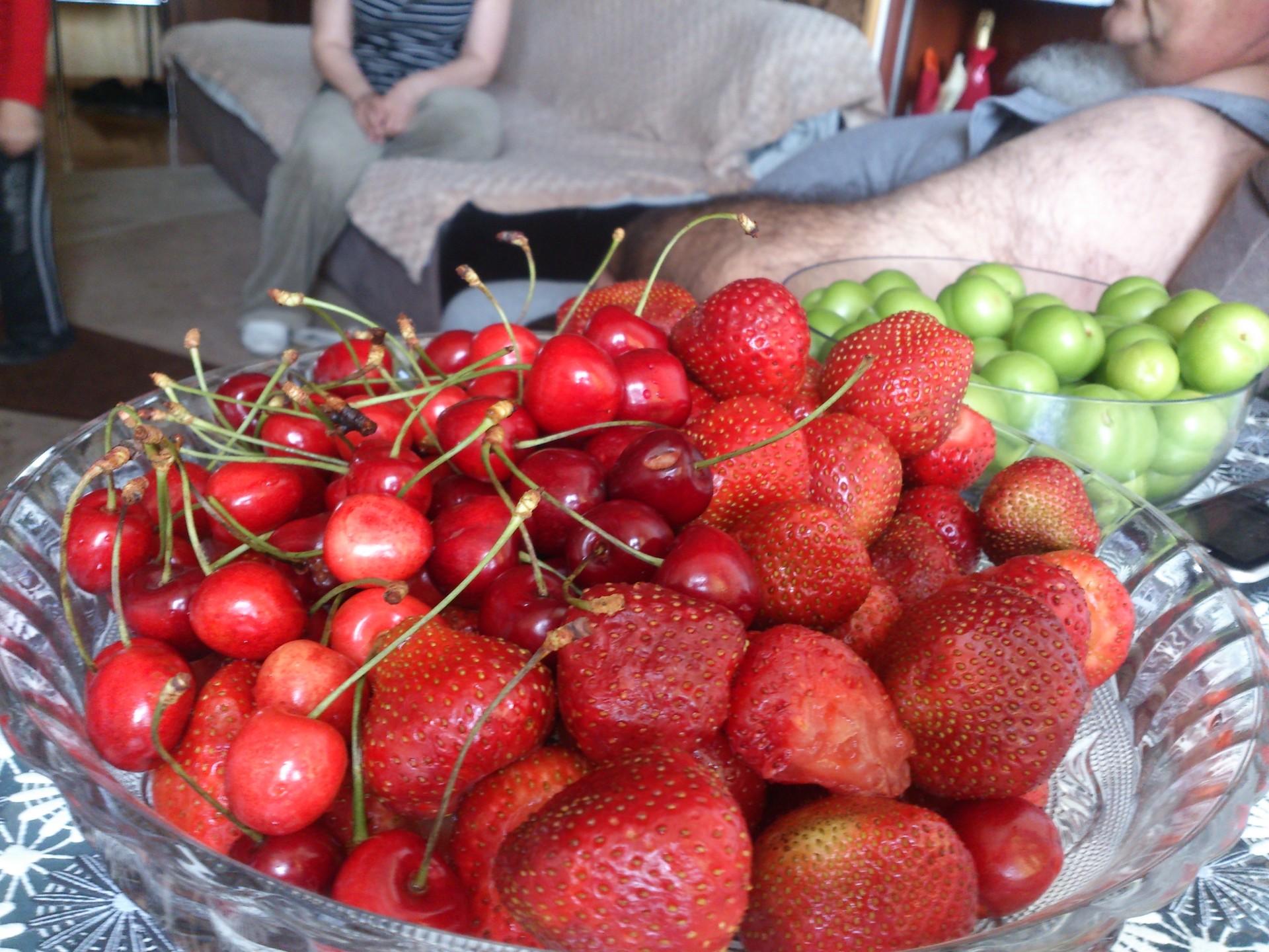 summer-fruit-04f3b23cab31717676d5e6cacad