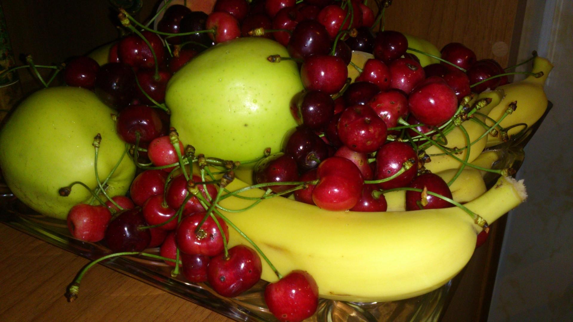 summer-fruit-c168c5f5d6b0480c68d4d2bbb0b