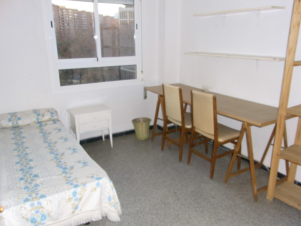 Sunny Appartment To Rent In The University Area Of