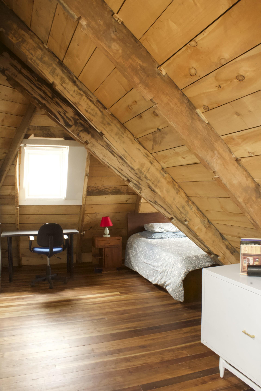 Sunny Attic Room With Bathroom Closet Room For Rent Santafe De Bogota