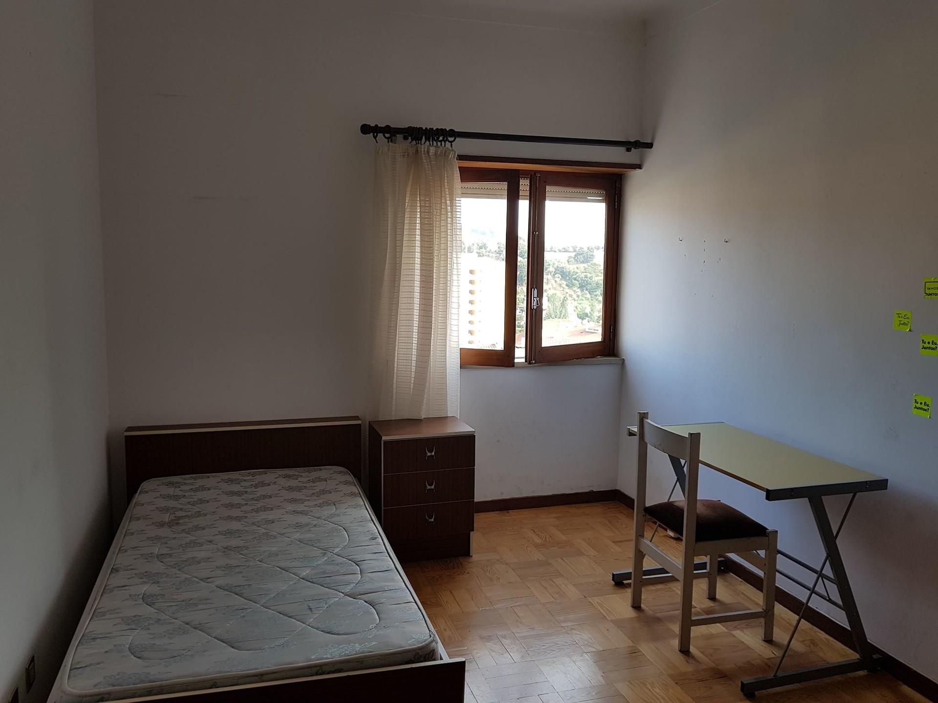 sunny-bedroom-coimbra-experience-lifetime-5330f0cc1cbdc5879ab70bf3b70ee70e