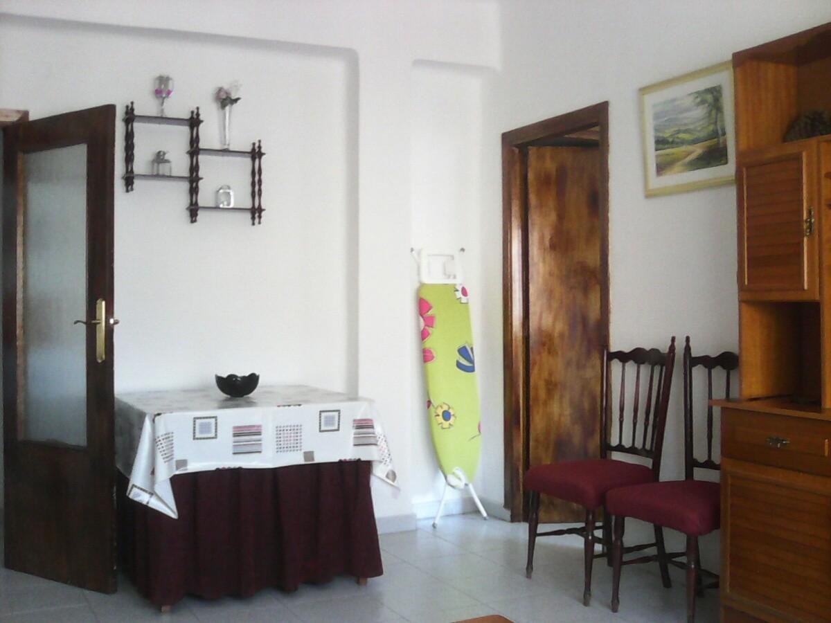 Calle Dr. Pareja Yébenes,  18012 Granada