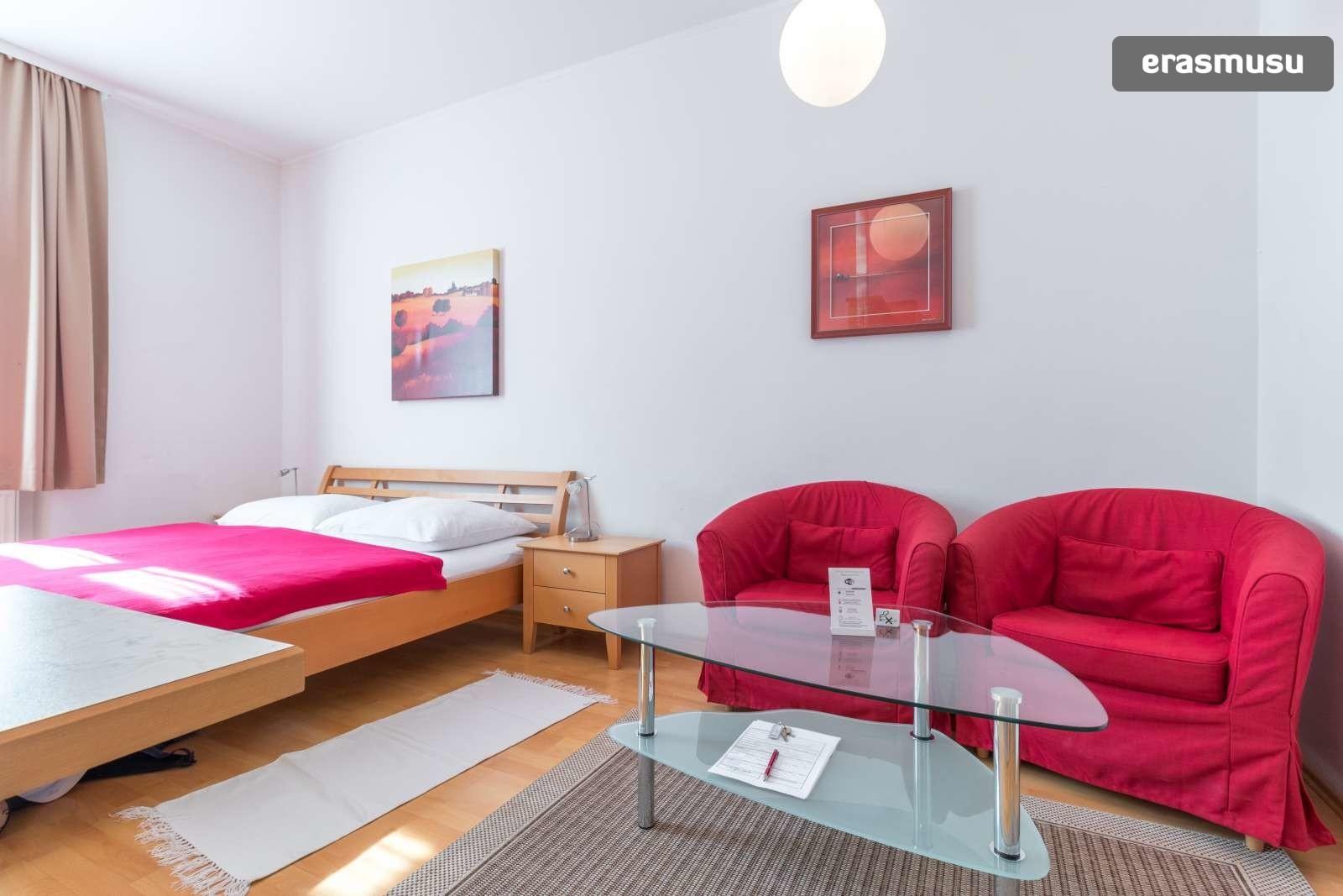sunny-studio-apartment-rent-near-bohemian-prater-favoriten-54466