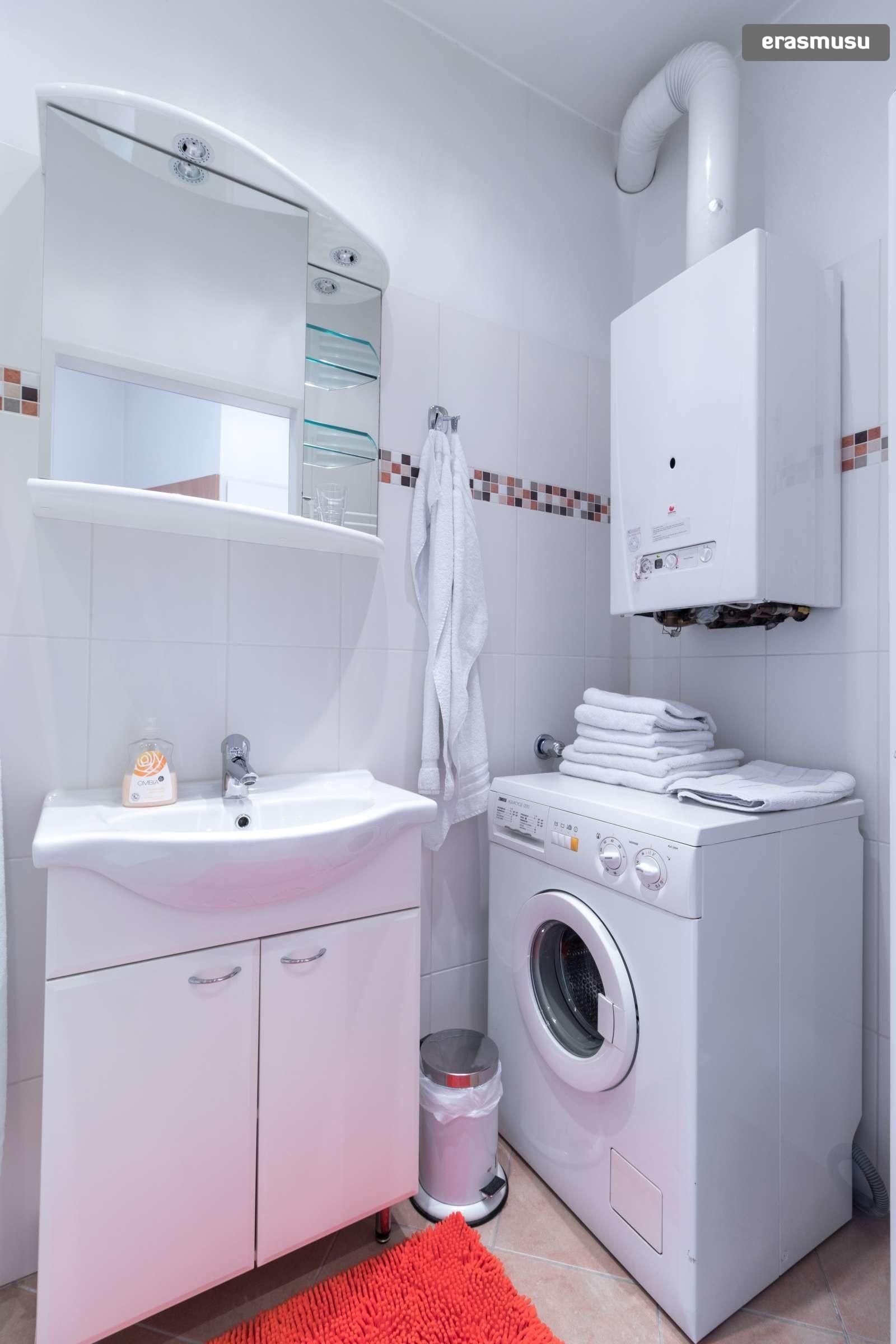 sunny-studio-apartment-rent-near-bohemian-prater-favoriten-e7e30