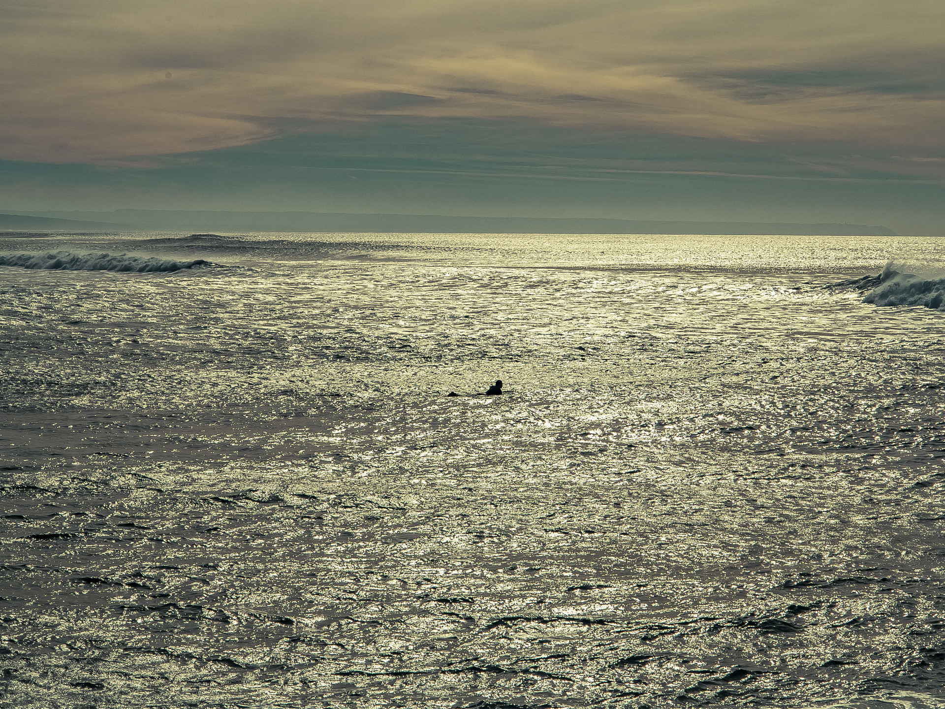 surfing-lisbon-3f61fcd6435aea66544bf3d18