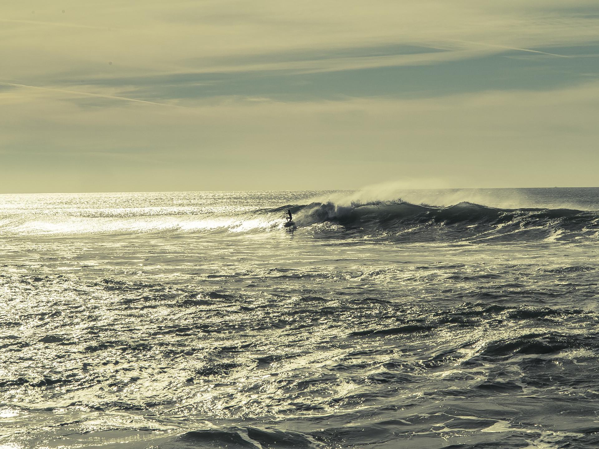 surfing-lisbon-6c3d7a4eb4f32a3f5f1cc20b0