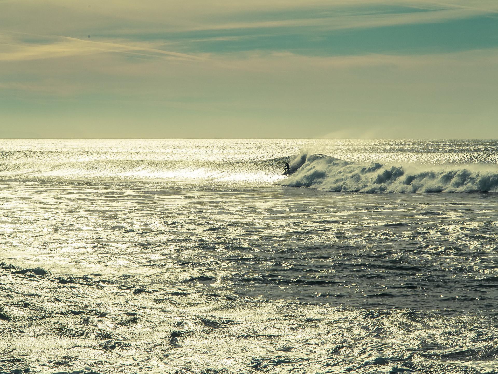 surfing-lisbon-daf23caf271860a4cbbdaa1f9