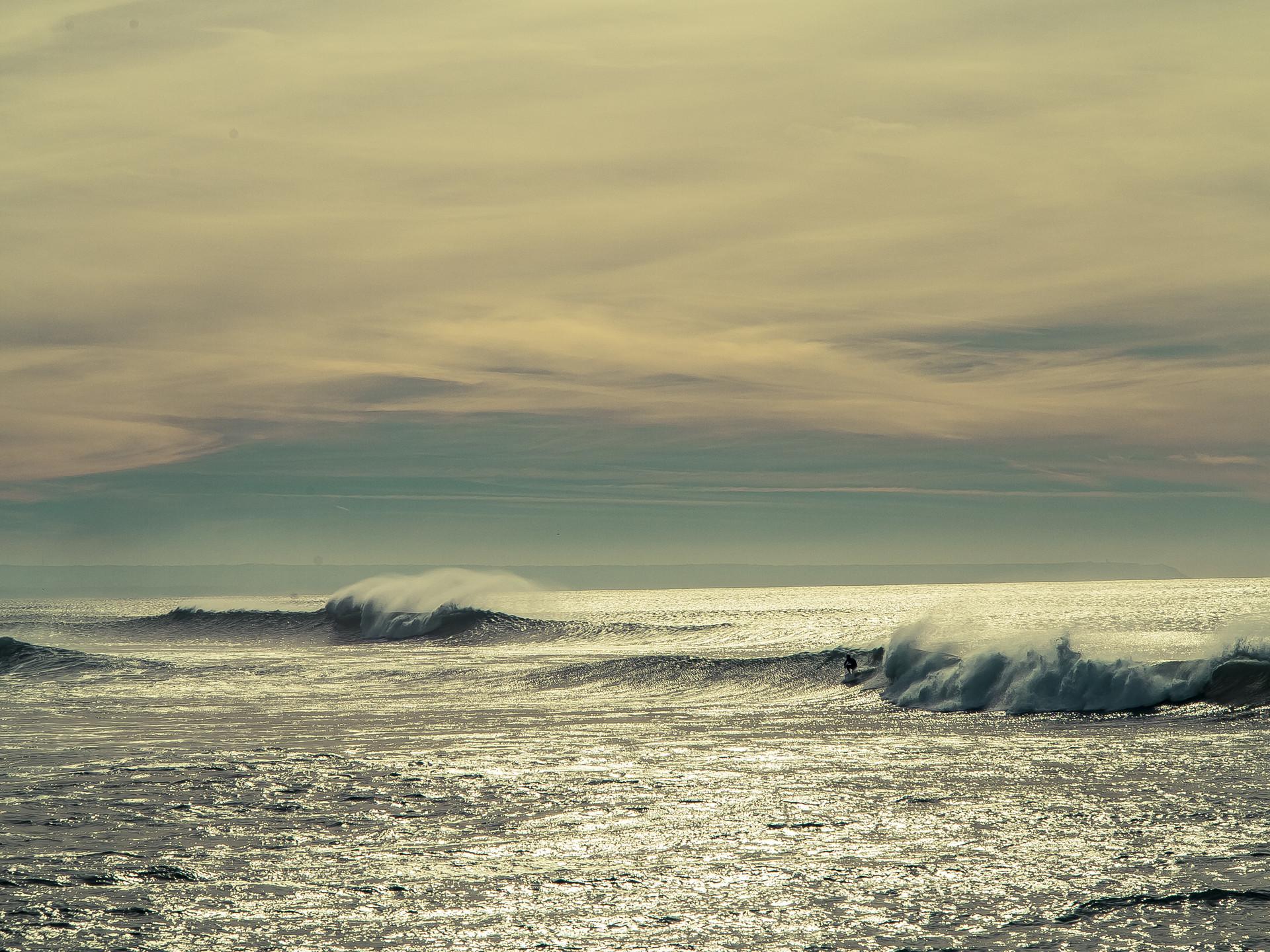 surfing-lisbon-ebb7db4dd9d78dabd2f0c963c