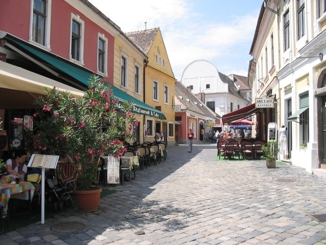 szentendre-place-time-stopped-d460a9564b