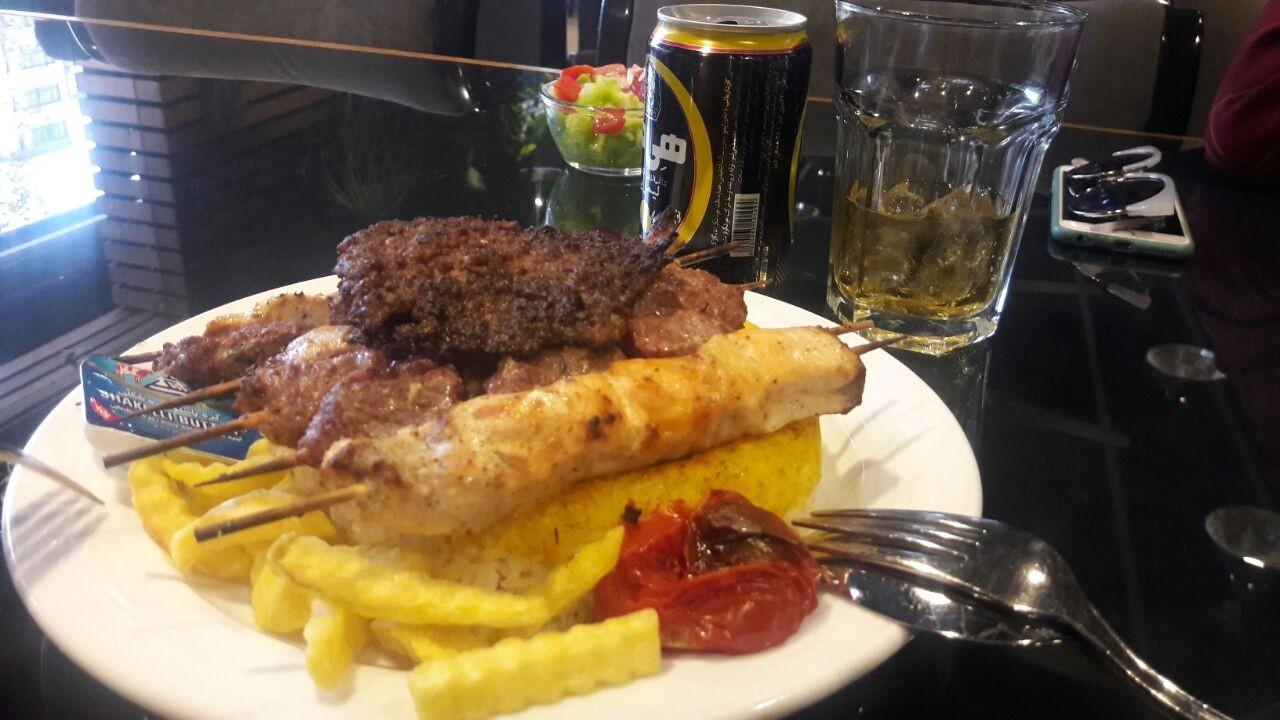 tah-dig-restaurant-tehran-a7cd6b556cc7df
