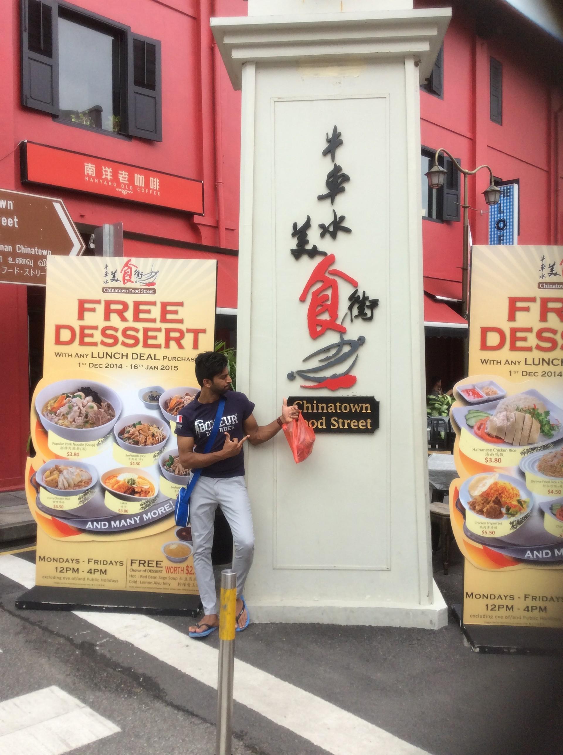 Targ uliczny w Chinatown, Singapur