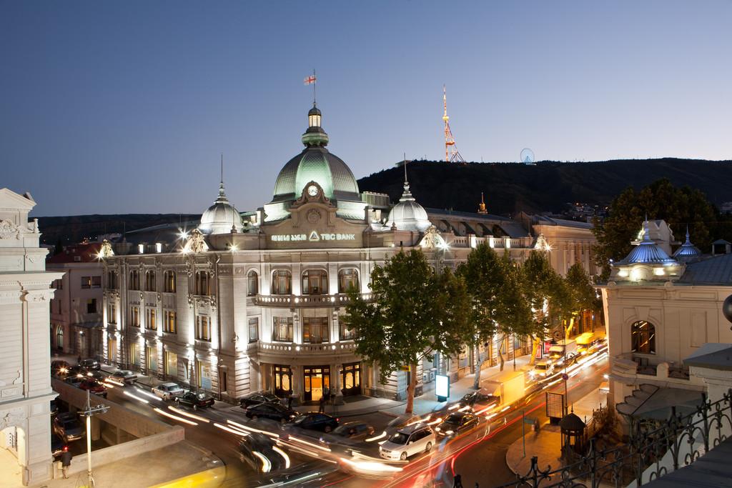 TBC Bank HQ in Central Tbilisi! | Erasmus photo Tbilisi
