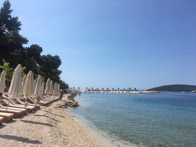 the-best-beaches-split-30a3ef7a2ba87395d