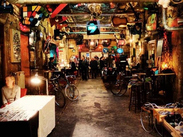 the-best-ruin-bars-budapest-5317b3241867