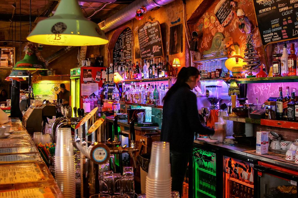 the-best-ruin-bars-budapest-919cf5a02da5