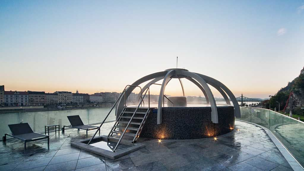 the-best-thermal-baths-budapest-3f09c936