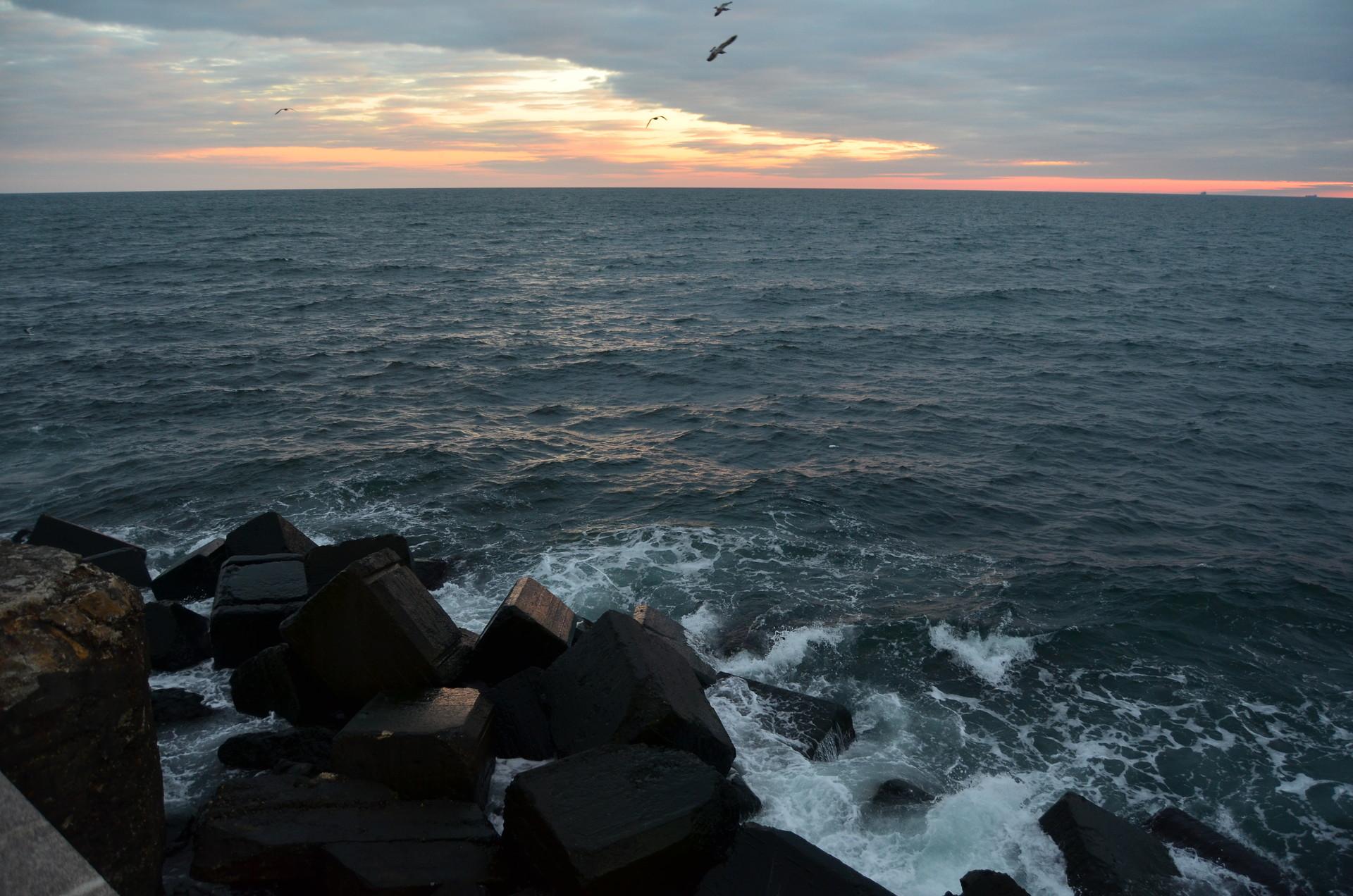 the-black-sea-winter-53b9fc5825c4ba8c961