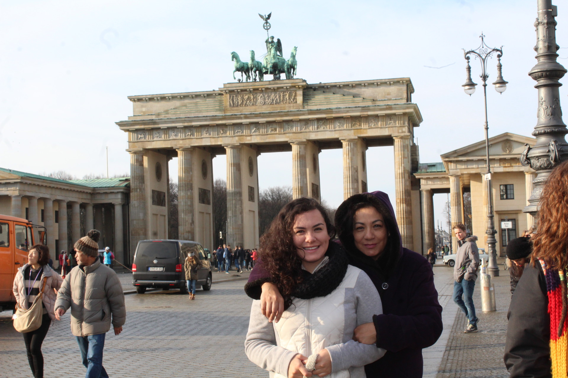 The Brandenburg Gate in Berlin: A spoonful of history and a hundred kilos of reflection