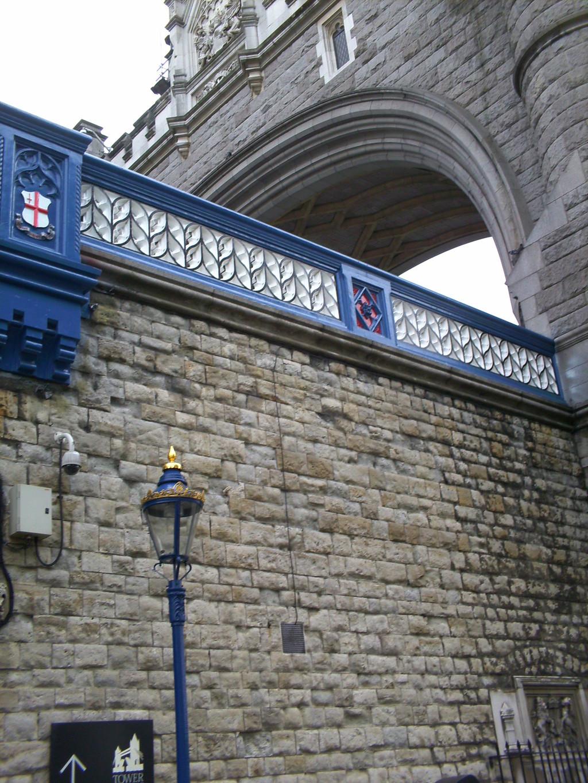 the-famous-tower-bridge-545ae64c3406f9e9