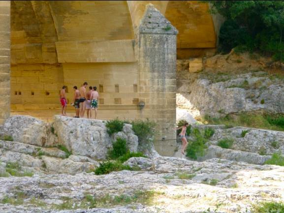 the-pont-du-gard-470e2f1603e348f0c9fb28d