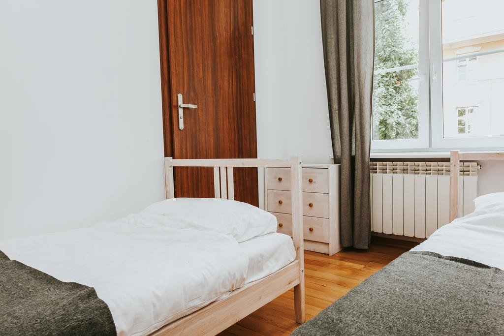 There is a place in double room en-suite for rent, Erasmus Dorm