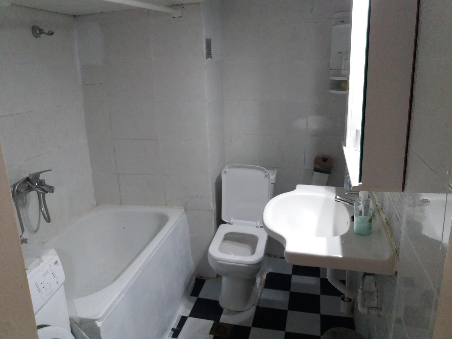 Thessaloniki room 160e -----------------------------------------