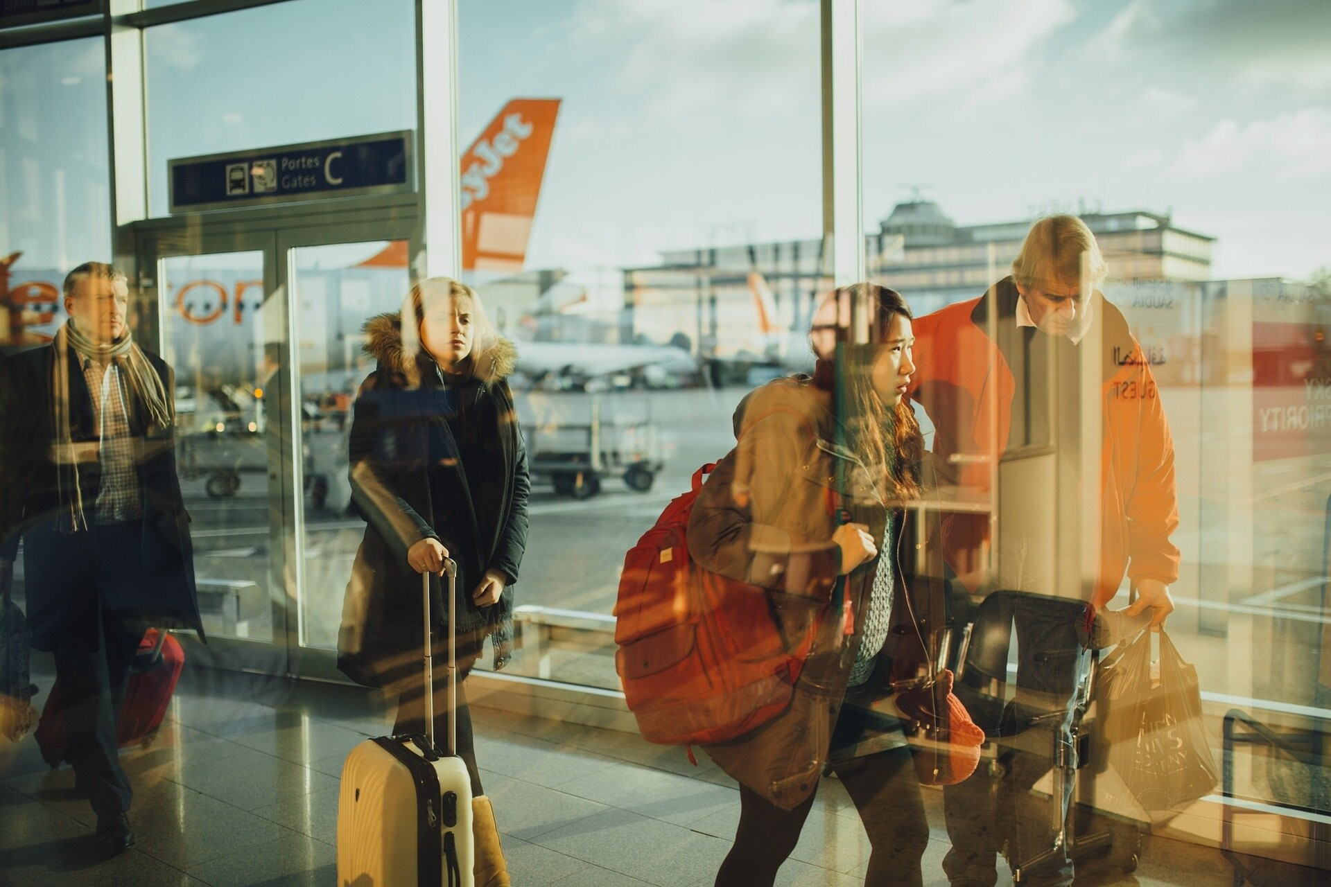 Tips for travelling with coronavirus in the world: the definitive guide 2021