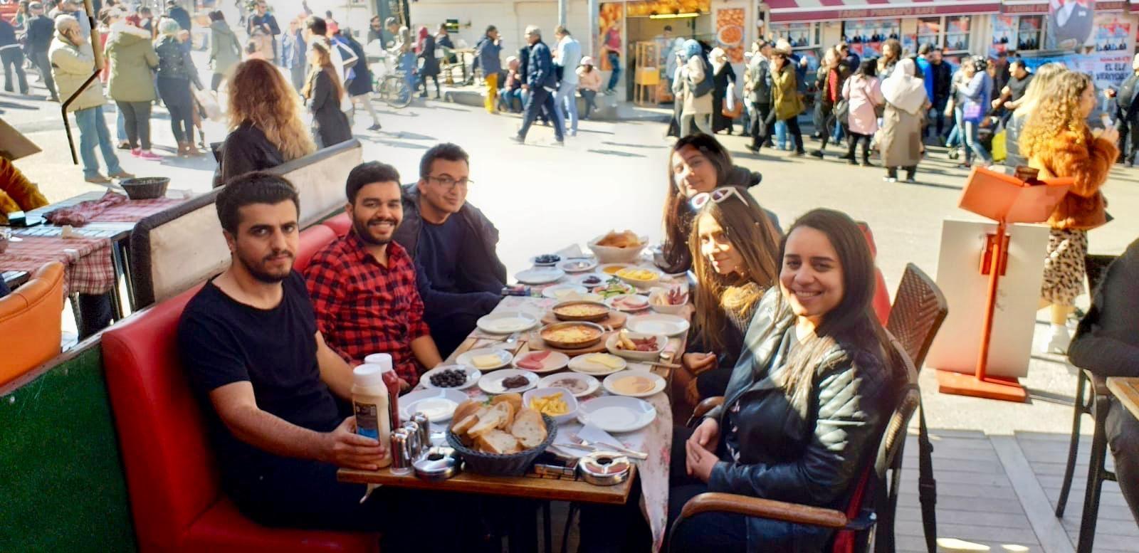 TOP 10 Desayunos que no te puedes perder en Estambul
