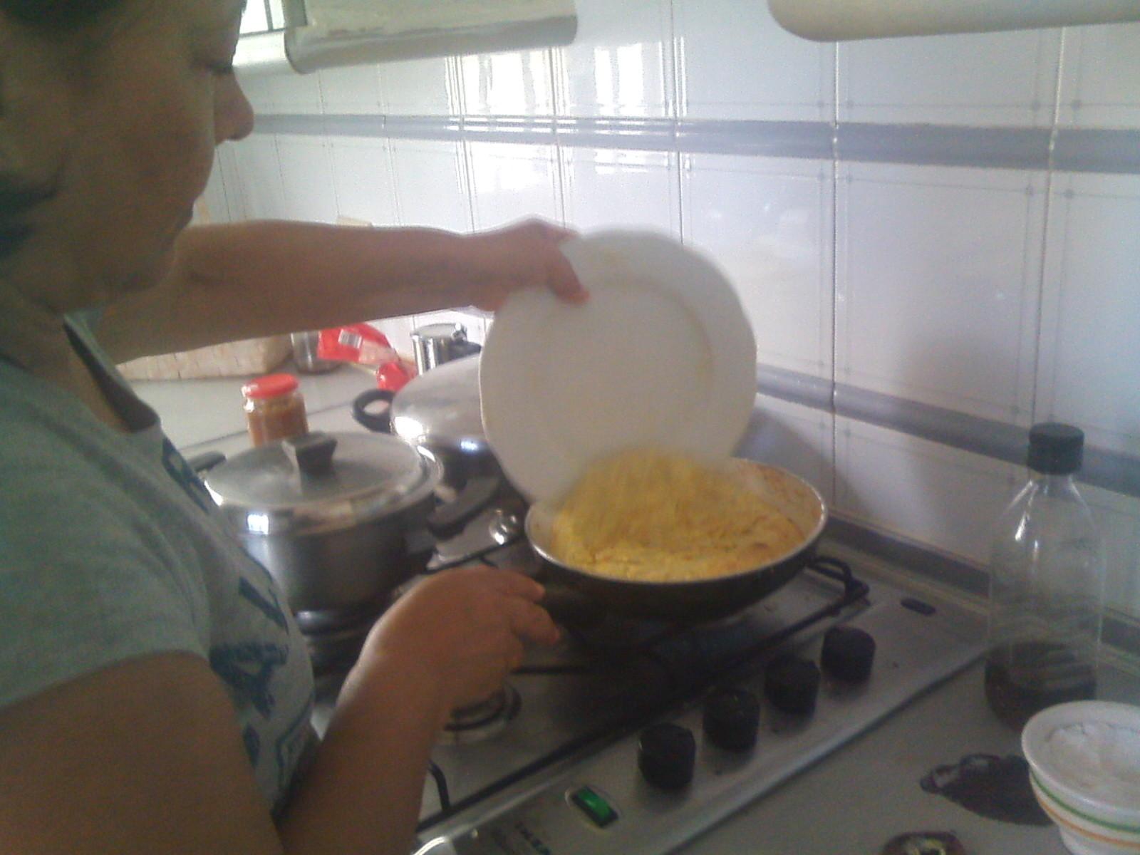 Tortilla Española: Easy, Good and delicius!!